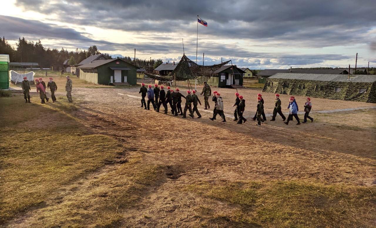 Знакомство, первые занятия, экскурсия и праздник: в лагере «Архистратиг» – новая смена (фото)